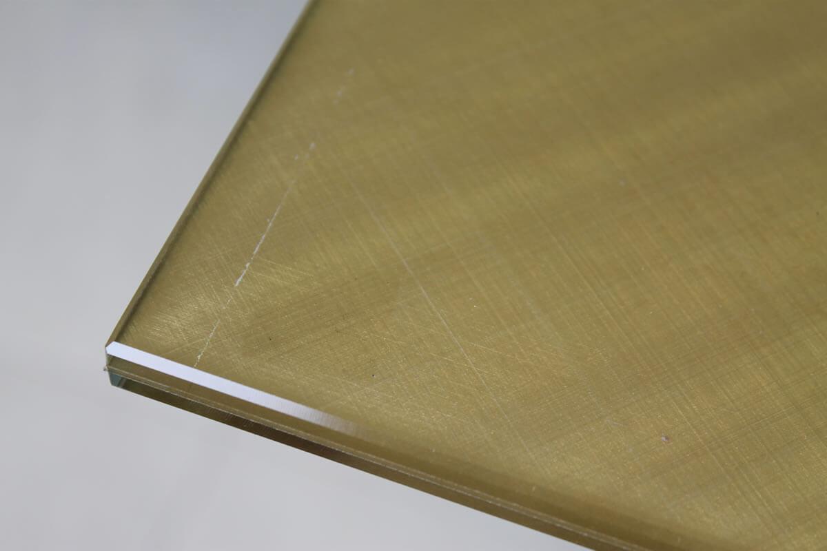 vetro extra chiaro variegato filo lucido filo toro bisellatura incisione decorazione fresatura foratura becco di civetta saldatura vetrocamera stratificabile verniciatura
