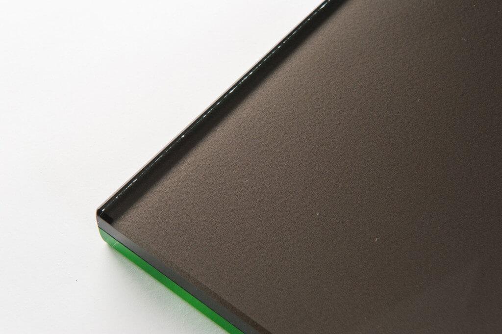 vetro fluorescente verde e vetro perlato nero, cristallo fluorescente verde e vetro perlato nero