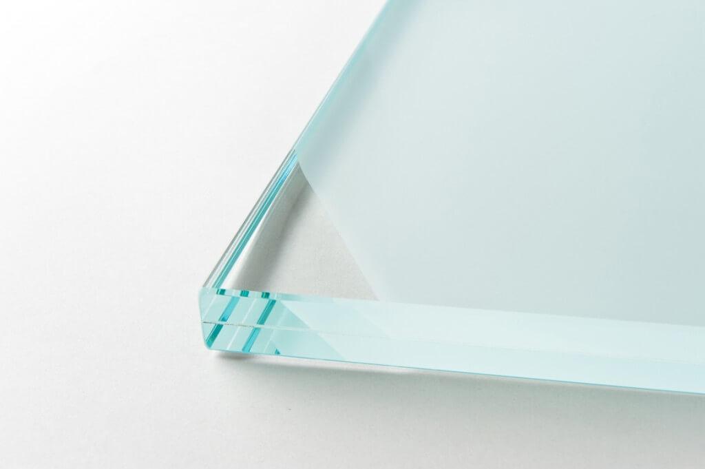 vetro extra chiaro satinato con PVB Grazi Cristalli